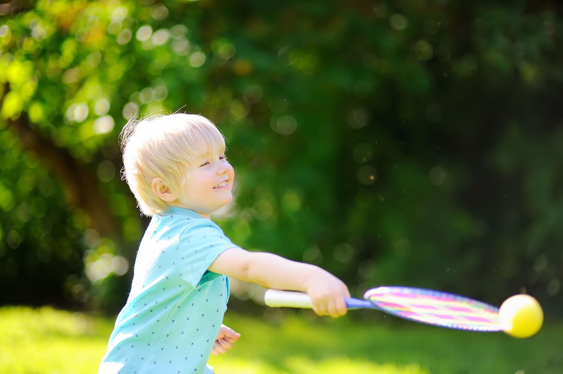 Free trial - Tennis lessons in Weybridge Cobham and Leatherhead for children and adults